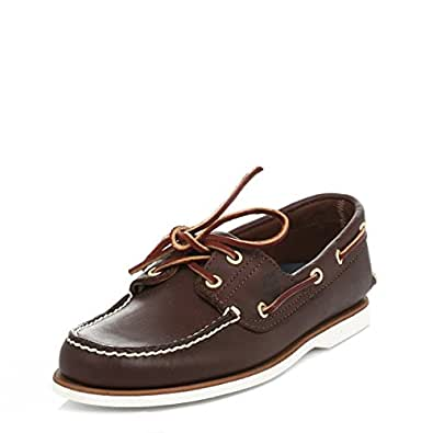 Boat shoes. Designed in , the boat shoe remains a preppy East Coast style staple today. This shoe was invented by Mr Paul Sperry of Sperry, who based the slip-proof rubber sole on his dog's paws.. Explore more shoes for summer; Discover more style inspiration in The Shoe Guide.