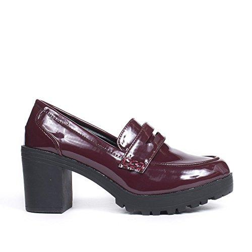 Ideal Shoes Mocassins à Talon Carré et Vernis Valerienne Bordeaux