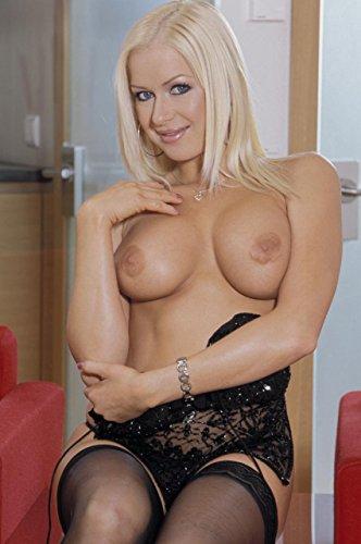 Photos chaudes de charme d'une femme stripteaseuse nue aux gros seins (livre 6 d'images érotiques de striptease et du sexe en gros plan pour adultes) (Chattes de cochonnes nues) par Contenu Photographie Parfaite