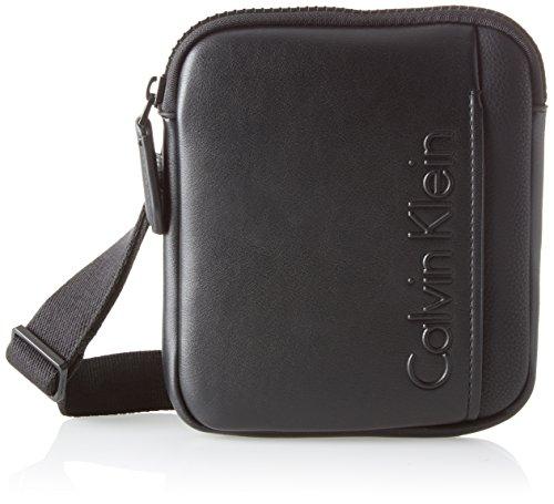 Calvin Klein Herren Elevated Logo Mini Flat Crossover Schultertasche, Schwarz (Black), 4x21x17 cm (Logo Cross Body)