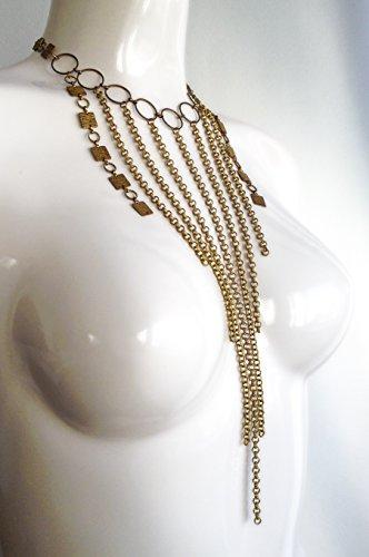 mata-hari-collier-chaines-plastron-geometrique-en-laiton-fluide-et-sophistique-style-art-deco