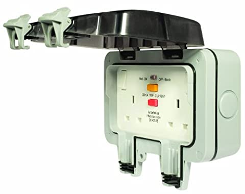 Masterplug WP22RCD 13 A 2 Gang Storm Weatherproof Outdoor RCD Switched Latched Double Pole Socket