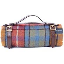 The Tartan Blanket Co. Couverture de pique-nique en laine recyclée avec bracelet en cuir marron (Buchanan Antique)