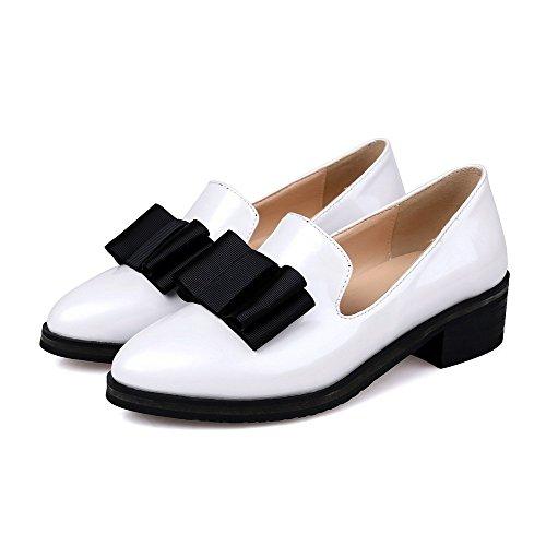 VogueZone009 Damen Ziehen Auf Spitz Zehe Niedriger Absatz Lackleder Rein Pumps Schuhe Weiß