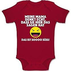 Shirtracer Sprüche Baby - Emoticon - Meine Mama Denkt echt, DASS sie Hier das Sagen hat. Das ist Soooo süß! - 6/12 Monate - Rot - BZ10 - Baby Body Kurzarm für Jungen und Mädchen