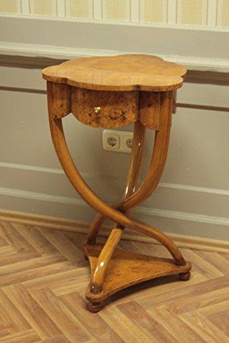 Table baroque table d'appoint de style antique Louis XV MoAl0257