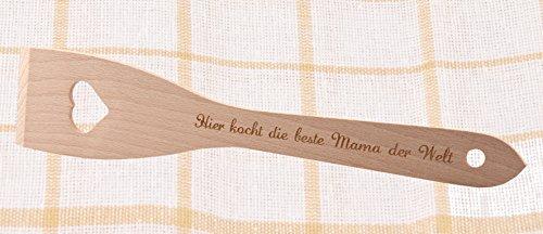 """geschenke-fabrik Pfannenwender aus Holz mit Herz / Gravur """"Hier kocht die beste Mama der Welt"""""""