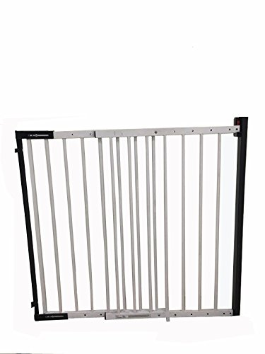 iSafe Wall Fix Extendable Metal Stairgate Safety Barrier Stair Gate - White iSafe Suitable for children from approx. 6 to 2 years Full opening with no step over bar Easy width adjustment from 67 cm to 104 cm 1