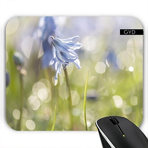 mousepad-scilla-in-einer-wiese-by-utart