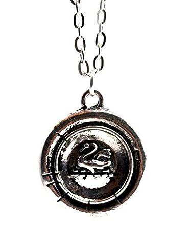 Chaîne avec talisman en argent vieilli, reproduction de celui d'Emma