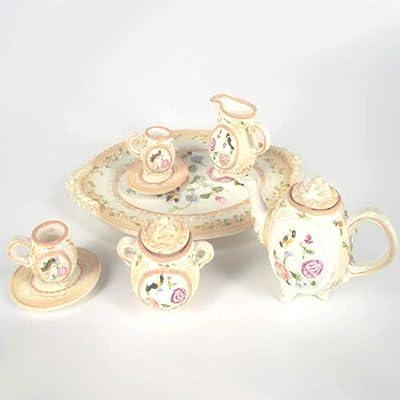 Juego de té de porcelanadecorativa.