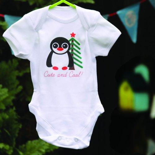 Bandana Schlafanzug (Little Penguin Personalisierte Baby Grow Weste Einteiler Bandana Lätzchen Schlafanzug und Geschenk-Box Größe 0–18Monate)