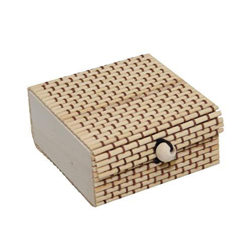 Treuheld® | Hellbraune SCHMUCK-DOSE aus Bambus mit Muster - Aufbewahrungsbox für Schmuck, kleine Geschenke. - Natur Geschenkbox mit Deckel - hell-braun - Holzbox ideal als Geschenk (Kleine Geschenk-boxen Mit Deckel)