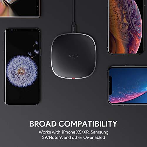 AUKEY Caricatore Wireless Qi Certified, Fast Wireless Charger 10W,7,5W & 5W, Compatibile con Samsung S10/S9/S8/S7, iPhone XS/XR/X/8, Nuovi AirPods e Altri dispositivi compatibili con Qi