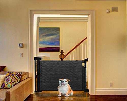 Bettacare Advanced Retractable Pet Gate (60cm - 140cm, Black) Bettacare comes in two sizes 90cm tall and upto 120cm wide, or 95cm tall and upto 140cm wide Screw fitted mesh barrier with steel frame. Easy to follow installation guide with template for perfect fit One-handed operation. Retractable gate that fully retracts when not in use 3