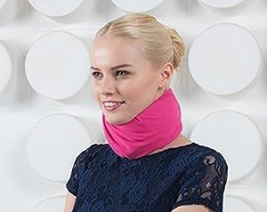 Minerve confortable grace a la housse Snood (ROSE FUSCHIA) l'accessoire confort et style pour collier cervical ou minerve. THE KOOCARE protege le cou contre les frottements du collier cervical.