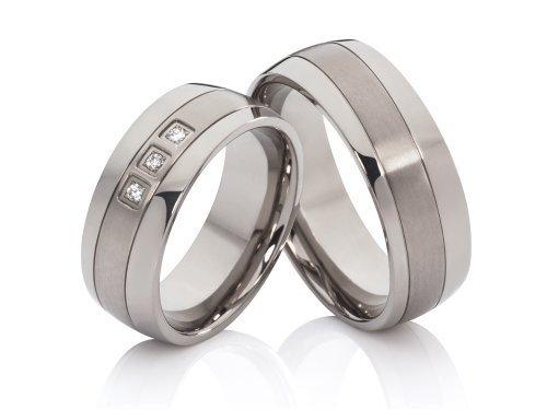 2 Hochzeitsringe Eheringe Trauringe Verlobungsringe aus Titan mit 3 Zirkonia im Damenring & gratis Gravur