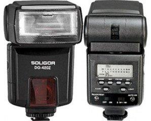 Soligor DG-420PZ Systemblitz für Canon E-TTL