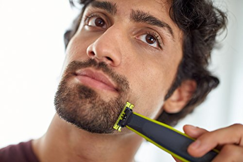 Philips OneBlade QP2520/30 Hybrid Trimmer and Shaver (3x Lengths and 1 Extra Blade) – exclusive to Amazon (UK 2-Pin Bathroom Plug)