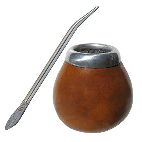 Yerba mate es un tradicional té de hierbas sudamericano, famoso por sus beneficios para la salud. Da energía, puede suprimir el apetito, y está lleno de vitaminas, minerales y antioxidantes. Tradicionalmente se bebe de una calabaza hueca y se bebe co...