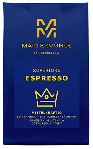 Martermühle | Espresso Superiore (1kg) | Ganze Bohnen | Premium Espressobohnen aus Brasilien, Guatemala, Costa Rica, Indien | Schonend geröstet | Espresso säurearm | 85% Arabica 15% Robusta