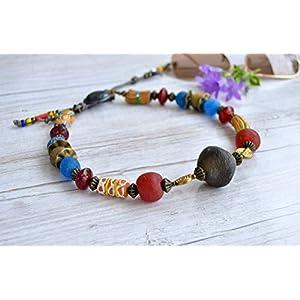 Afrikanische Halskette für Frauen, primitiver Schmuck, rustikale Perlenkette, einzigartige mehrfarbige Halskette