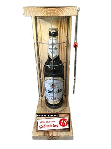 """""""Alles Gute zum 18 Geburtstag"""" Die Eiserne Reserve mit einer Flasche Krombacher Pils 0,50L incl. Bügelsäge zum aufschneiden des Metallgitters – Das ausgefallenes witziges"""