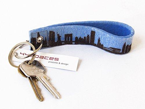 44spaces Design Schlüsselanhänger New York City Loop Wollfilz blau, persönliches Geschenk Frauen Männer Geburtstag Umzug Reise