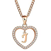 قلادة كريستال صممة حصريا على شكل قلب يتوسطه حرف J للنساء