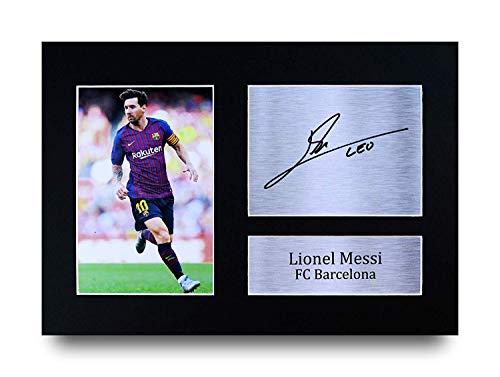 Hecho Profesionalmente En Nuestro Estudio, Este A4 (297X210Mm) Lionel Messi pantalla viene con una imagen de alta calidad de Messi junto con una copia impresa de Messi firma autógrafa. Montado en un negro mate usando una tarjeta de pantalla libre de ...