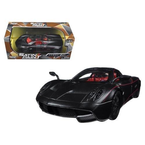 pagani-huayra-in-matt-black-124-scale-from-motor-max