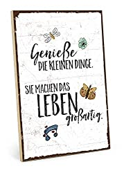 TypeStoff Holzschild mit Spruch - GENIESSE DIE KLEINEN Dinge des Lebens - im Vintage-Look mit Zitat als Geschenk und Dekoration zum Thema Genuß und wertvoll (M - 19,5 x 28,2 cm)
