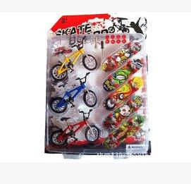 autone 8Mini Finger Skateboards Fahrräder Spielzeug, Funny Cool Educational Kinder Kids Geschenke (5PCS Finger Skateboards + 3Pcs Finger Fahrräder) (Metall-skate-rampe)