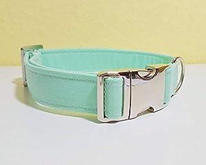Stylisch, Stabil und Sicher: Das SammyMerlin Hundehalsband!   Wir möchten, dass sowohl Zwei-, als auch Vierbeiner unsere Produkte lieben.   Daher werden alle Materialien von uns mit viel Sorgfalt ausgewählt und verarbeitet.   Das Halsband besteht au...
