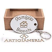 ArtigianeriA - Portachiavi in legno, personalizzato con il proprio Cognome o pseudonimo. Realizzato a mano interamente in Italia. Idea regalo per tutta la famiglia.