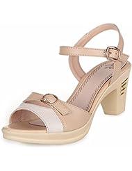 Señoras sandalias de verano con zapatos de cuero genuino y delgado.