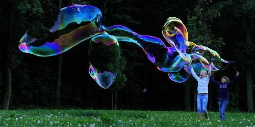 GIANT BUBBLES ! GIANT BUBBLE STICK WAND MAKER from BUBBLES WORLD