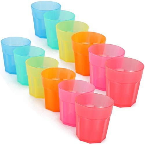 le Schnapsgläser aus Kunststoff - wiederverwendbare Shot-Gläser in bunten Farben - ideal für Geburtstage und Party (12 Stück - Schnapsgläser) ()