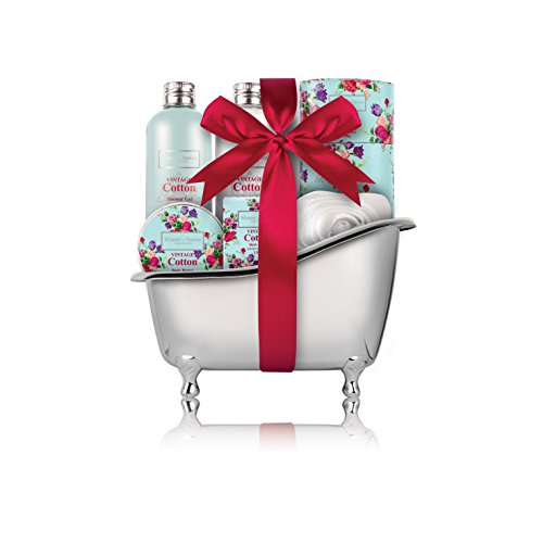 winter-in-venice-vintage-cotton-bath-tub-luxurious-toiletries-infused-with-natural-fruit-and-plant-e