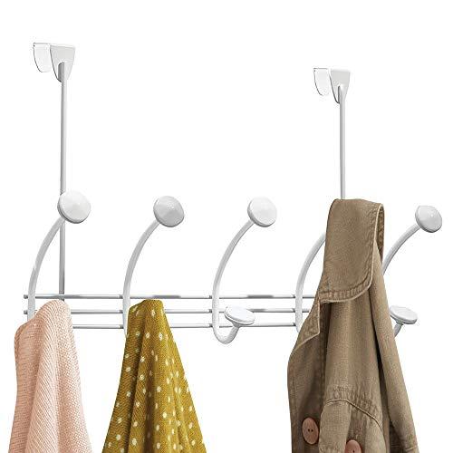 mDesign Hakenleiste - 10 Garderobenhaken für die Tür in Flur und Bad - Mäntel, Jacken, Bademäntel, Handtücher - weiß