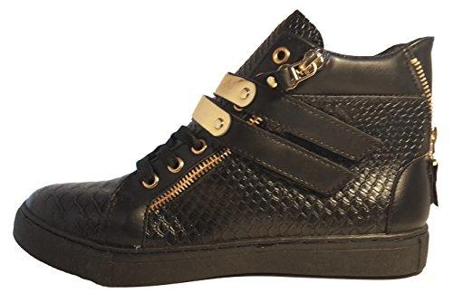 Sneakers, bottes avec des boucles d or, chaussures femme, modèle 11094104001052, noir, différents modèles et tailles. Couleur zébre avec chaîne.