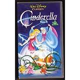 Walt Disney Classics–presenta Cenicienta en VHS (5017182041023) 72minutos–Universal: Compatible con todos los. (enviado y vendido por MixVale colecciones).