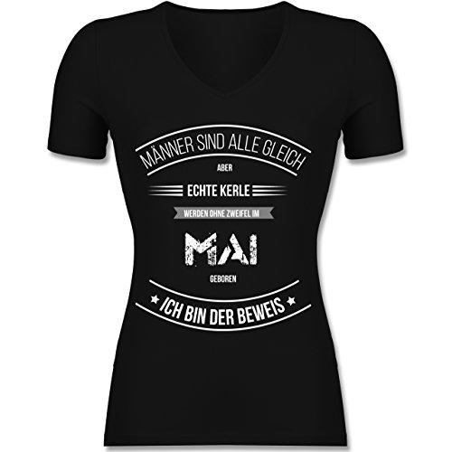 Shirtracer Geburtstag - Echte Kerle Werden IM Mai Geboren - Tailliertes T-Shirt mit V-Ausschnitt für Frauen Schwarz