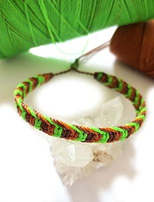 Bracelet brésilien/amitié/bijoux unisexe en fil Vert fluo Marron foncé et Marron orange tissé main en macramé avec du fil ciré