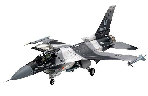 tamiya-300061106-148-lockheed-martin-f-16c-n-aggressor