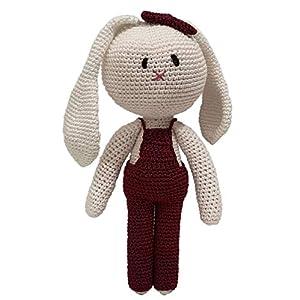 LOOP BABY - Gehäkelter weißer Hase aus 100 % Bio-Baumwolle- Hasen-Puppe mit weinroter Latzhose - Geschenk-Baby-Mädchen - Häkelhase 24 cm groß - waschbar