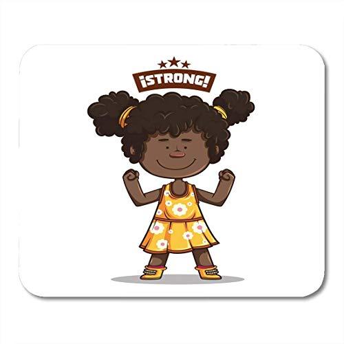 Mauspads Nettes Afro-Mädchen, das mit gelbem Kleid der weißen Blumen und der Fuchsia-Strümpfe lächelt, die das Zeichen macht stark machen Mauspad 9,5 x 7,9 für Notebooks, Desktop-Computer-Büroartikel