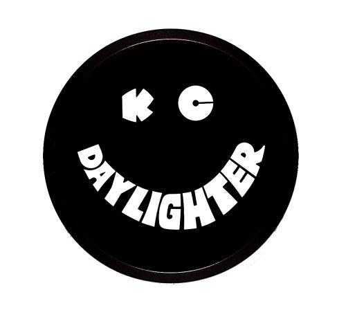 KC HiLiTES 52006schwarz rund Kunststoff, cover w/Weiß KC daylighter Logo–Single Cover von KC HiLiTES (Kc-led-leuchten)