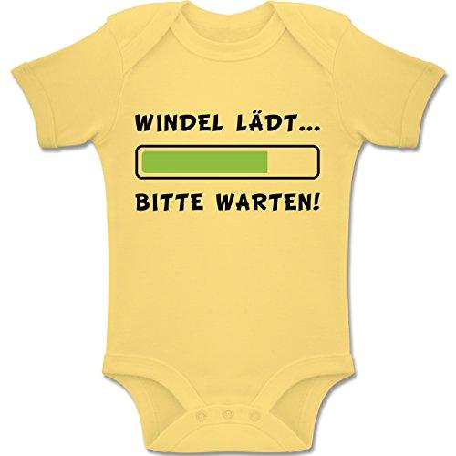 (Shirtracer Sprüche Baby - Windel lädt - 1-3 Monate - Hellgelb - BZ10 - Baby Body Kurzarm Jungen Mädchen)