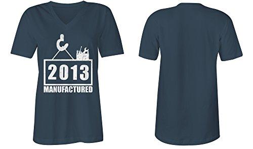 Manufactured 2013 - V-Neck T-Shirt Frauen-Damen - hochwertig bedruckt mit lustigem Spruch - Die perfekte Geschenk-Idee (03) dunkelblau